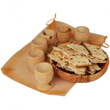 The Lord's Supper - Olive Wood Bread Tray with Six Olive Wood Cups on Gift Bag